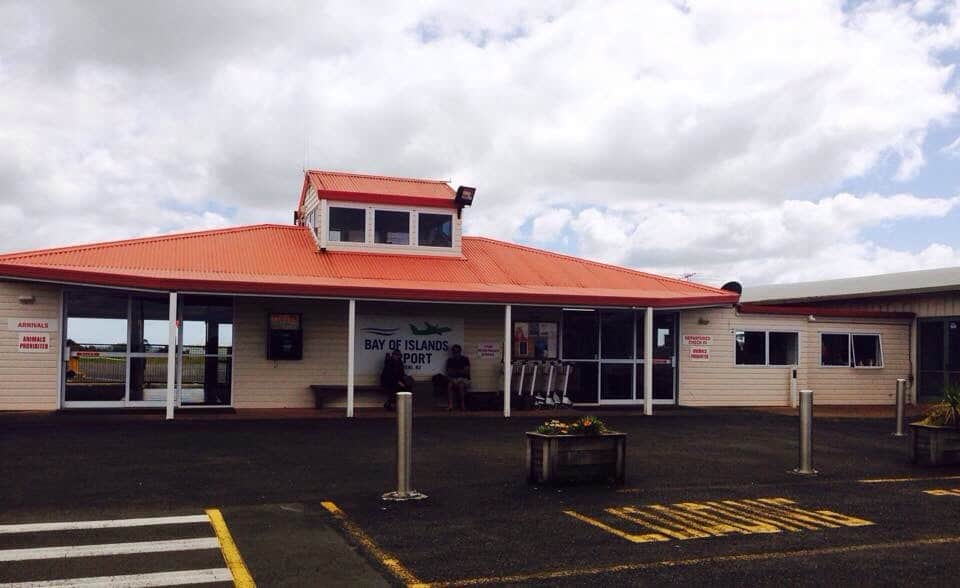 This is the Bay of Islands airport building outside of Kerikeri: it is small, cute and functional! (No VIP lounges here!)
